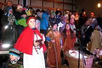 V obci Záboří se 22. prosince vánočně zpívalo na návsi i v kostele sv.Petra a Pavla.