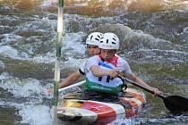Výkony mladých vodních slalomářů sledovaly i české hvězdy tohoto sportu.