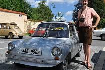 Jiří Kyncl se svým vozidlem