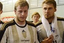 Strakoničtí házenkáři Michal Tockstein a Tomáš Pek (zleva).