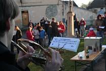 Zpívání koled v Čejeticích 24. prosince 2015
