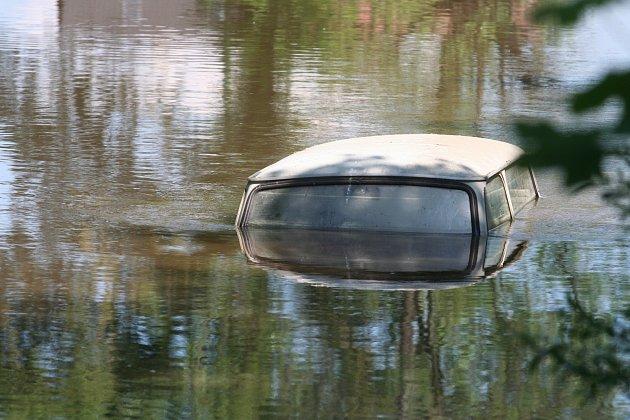 Utopený trabant v Mutěnicích