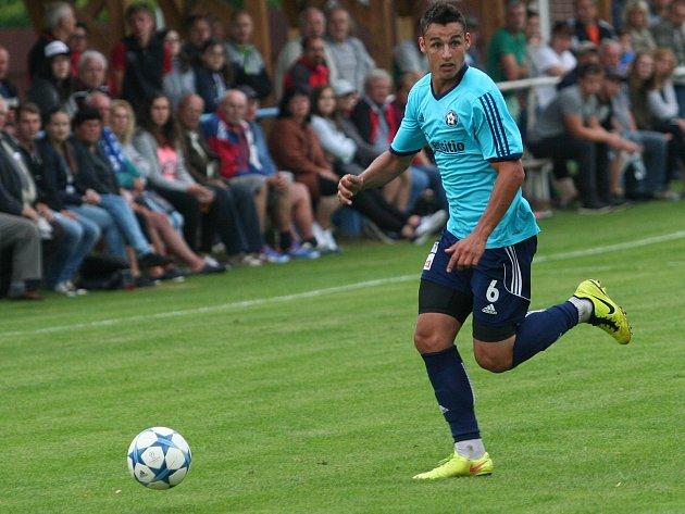 Michal Požárek poslal Katovice do vedení, nakonec ale jeho tým odjel s debaklem 2:6.