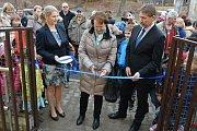 Slavnostního otevření nové mateřské školky se zúčastnili nejen zástupci všech rezortů projektu, ale i obyvatelé městyse.