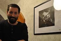 Pavel Drdel se svou fotografií Sevření