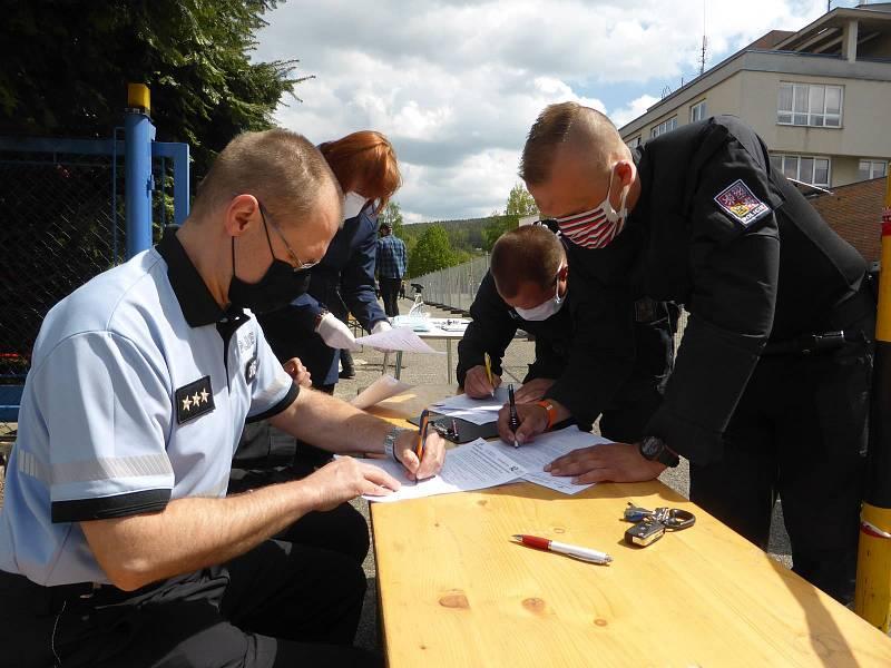 Do studie se zapojilo na 80 policistů.