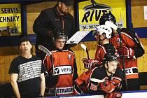Trenér Martin Všetečka svému týmu v play off věří.