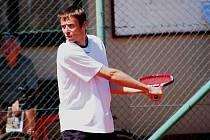 Devětadvacetiletý tenista Tomáš Fiala patří mezi největší opory TK Strakonice.