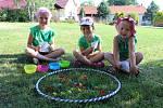 Padesátka dětí jezdila v týdnu na příměstský tábor do Cehnic. Jeho téma bylo Vodníci a hastrmani.