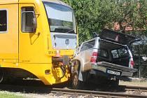 V Mačkově na přejezdu došlo k nehodě auta a vlaku.