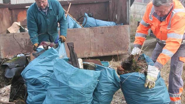 Odpad, který vysbírali úředníci ze strakonické radnice