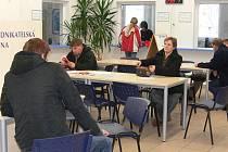 Lidé na odboru dopravy byli, ale jen málo z nich přišlo za účelem výměny řidičského průkazu.