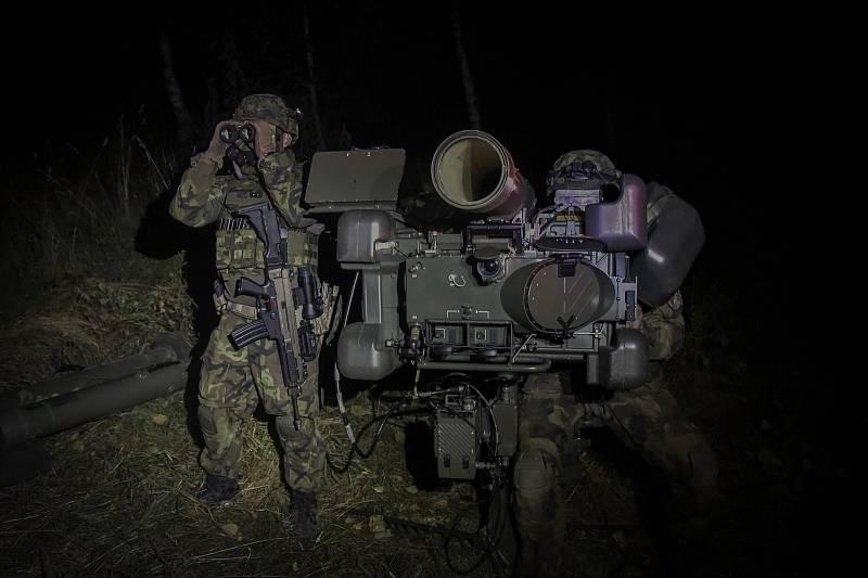 Výcvik probíhal i v noci. Foto: VeKySIO