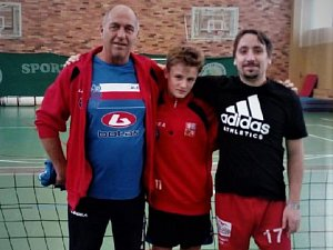 Tomáš Votava (uprostřed) absolvoval reprezentační sraz žáků.