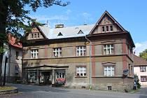 Obec Stachy se nachází v okrese Prachatice a leží zhruba 10 km severozápadně od Vimperka.