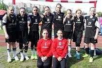 Strakonické družstvo minižákyň vyhrálo Memoriál Karla Šulce v kategorii 6+1, mladší žákyně byly druhé.