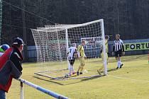 Katovice B - Dražejov 3:0 (2:0).