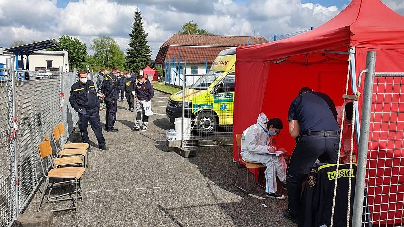 Test podstoupili hasiči, policisté a řidiči autobusů.