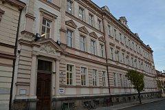 Vodňany, budova Základní školy a Gymnázia v Alešově ulici. Ilustrační foto