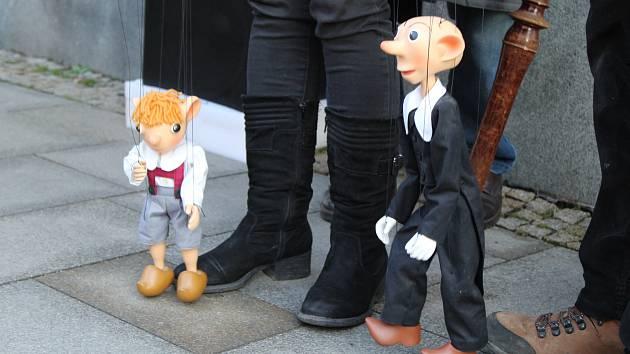 U rodného domu Josefa Skupy se ve čtvrtek 16. ledna sešli jeho příznivci.