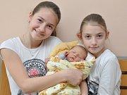 Josef Blahout, Zdíkov, 12.4. 2017 v 0.36 hodin, 3580 g. Malý Josef má sestry Anetku (12) a Kristýnku (10).