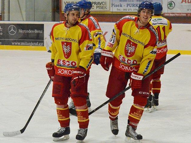 Hokejisté Radomyšle se střetnou ve čtvrtfinále krajské ligy s Veselím nad Lužnicí.