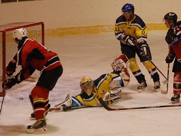 Strakoničtí hokejisté remizovali v odvetě s Veselím nad Lužnicí 3:3, když prohrávali už 0:3.