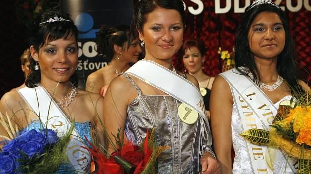 Finále 9. ročníku Miss dětských domovů ve strakonické sokolovně v sobotu 12. dubna