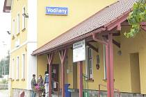 Hodina na nádraží ve Vodňanech.