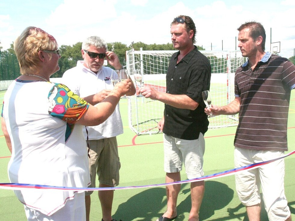 Otevření Sportovně rekreačního areálu v Čejeticích.