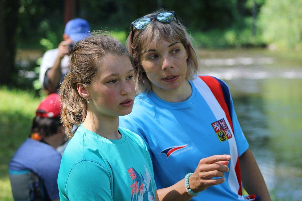 Veronika Vojtová byla jednou z ambasadorek ČT žáků ve vodním slalomu ve Strakonicích.