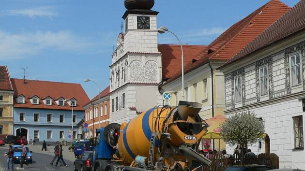Doprava zatěžuje centrum Volyně