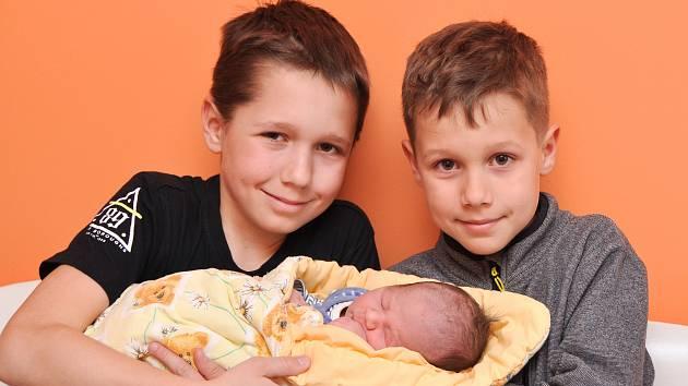Adam Novotný z Blatné. Adámek se narodil 1. 4. 2019 v 19.08 hodin a při narození vážil 3550 g. Na brášku se doma těšili sourozenci Honzík (11) a Tomík (8).