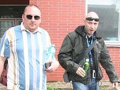 Daniel Landa (vpravo) opustil v neděli 13. dubna krátce před 18. hodinou strakonickou nemocnici.