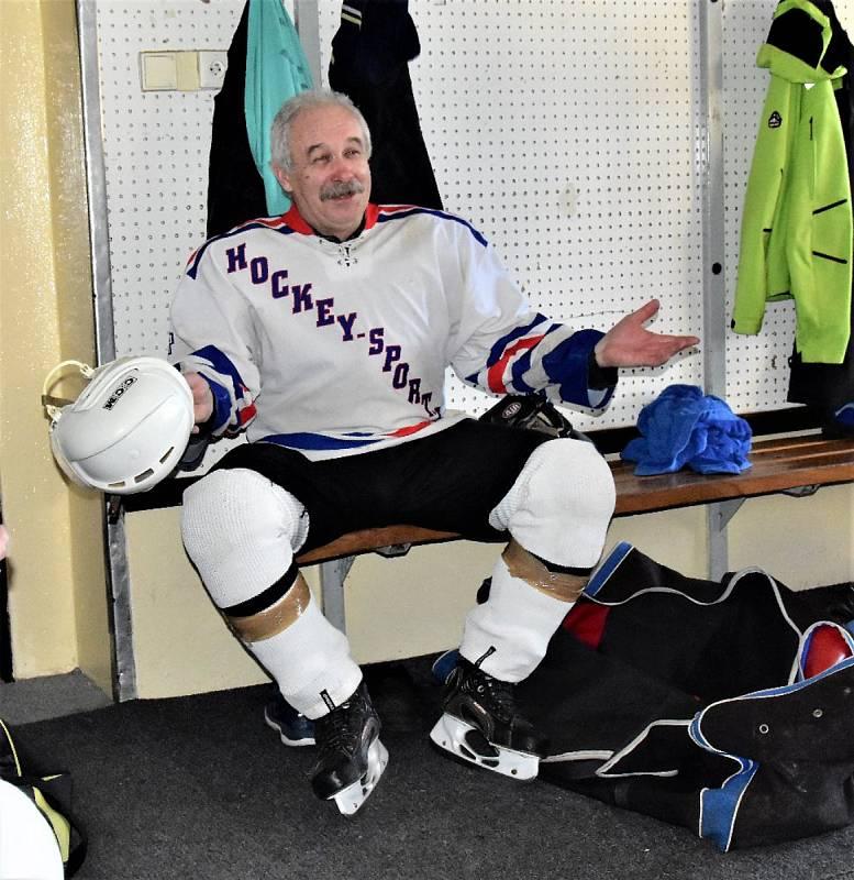 Hokejoví veteráni se sjeli k tradičnímu turnaji do Strakonic.