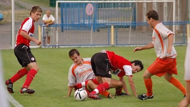 Divizionáři sice s béčkem pražské Slavie prohráli 1:2, ale podali velmi kvalitní výkon.