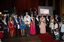 Deváťáci ze Základní školy v Cehnicích měli ve čtvrtek 31. ledna v kulturním domě svůj absolventský ples.