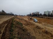 Na hlavní trase severního dopravního půloblouku jsou dokončené hrubé terénní úpravy.
