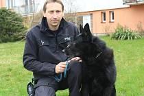 Policista Josef Kubička a jeho pes Irr.