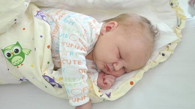 Rozálie Vauchey z Bratronic se narodila 18. 7. 2020 v 17.49 hodin a její porodní váha byla 4 150 g. Holčička je prvorozená.