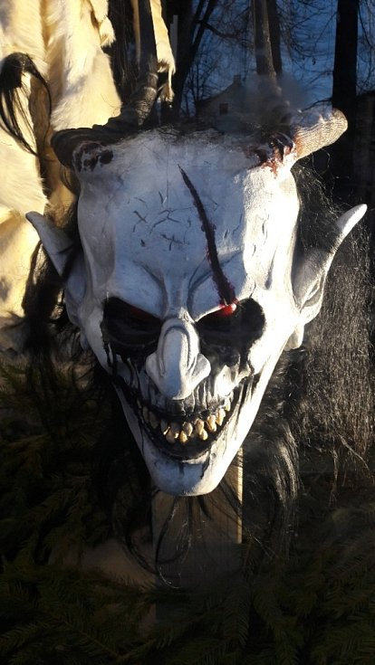 Tyto masky krampusáků můžete do konce února vidět ve Vodňanech.