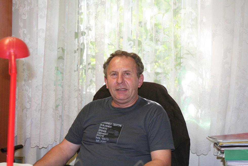 Jiří Pán pracoval jako ředitel DD Volyně 22 let.