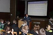 Studenti navštívili pluk ve Strakonicích.