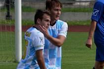O vítězství Blatné ve Vacově 1:0 rozhodl v 11. minutě Štěpán Říha (vpravo, raduje se s ním Michal Mišiak).