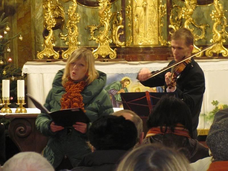 Koncert v zaplněném kostele Nanebevzetí Panny Marie.