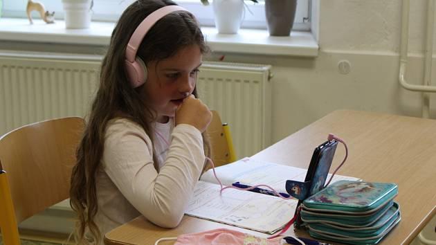 Do ZŠ v Cehnicích se vrátili někteří školáci.