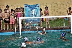 Děti se ve Strakonicích seznamovaly s vodními sporty.