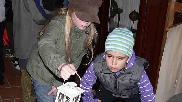 Děti navštívily setmělý strakonický hrad