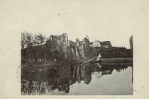 Starý zámek Borotín leží asi čtyři kilometry od Sudoměřic na Táborsku.