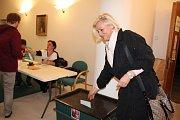 Strakonice - Před dvacátou hodinou večerní se dveře ve volební místnosti na Městském úřadu ve Strakonicích